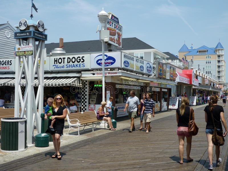 Gehen die Promenade lizenzfreie stockfotografie