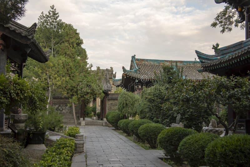 Gehen Sie durch Hof und Gärten der großen Moschee, Xian, China stockbilder