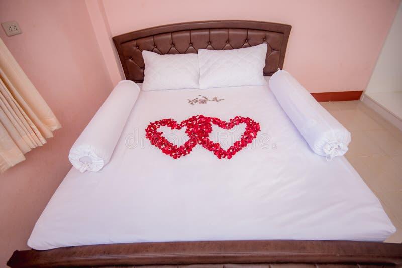 gehen Sie für Hochzeitstag, Hochzeitszeremonie-Zubehörwerkzeug, Thailand zu Bett lizenzfreies stockbild