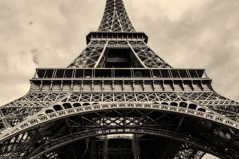Gehen vor Notre Dame lizenzfreies stockfoto