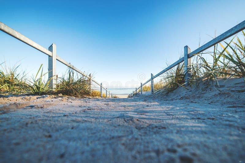 Gehen zum Strand auf RÃ-¼ GEN lizenzfreies stockbild