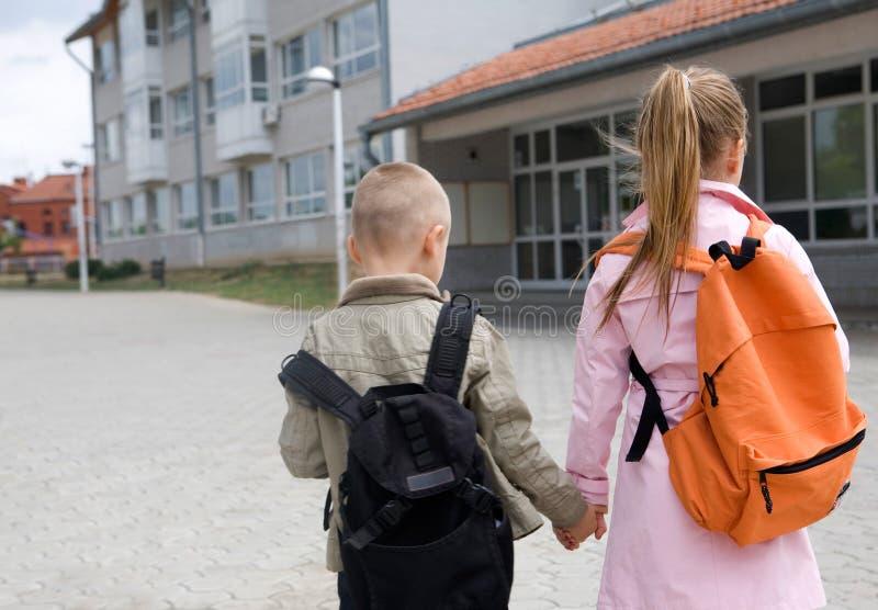 Gehen zur Schule lizenzfreies stockfoto