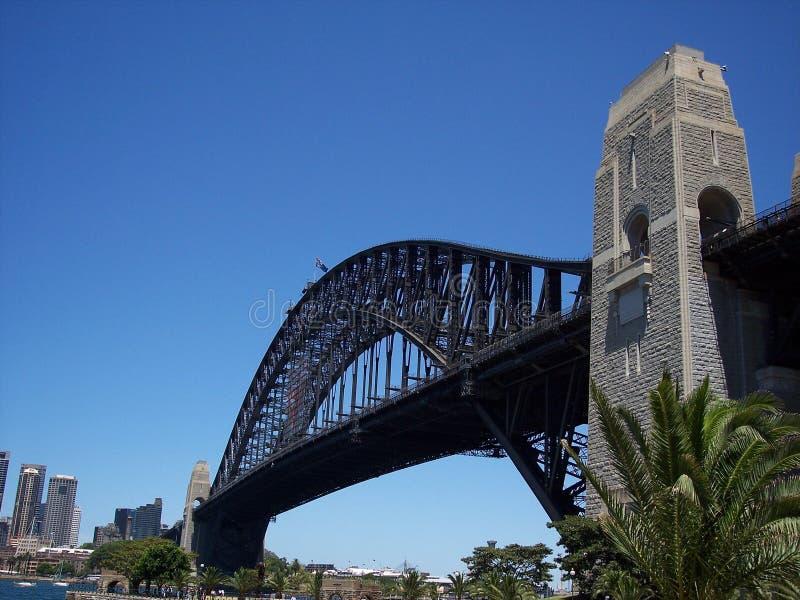 Gehende Hafenbrücke lizenzfreie stockbilder