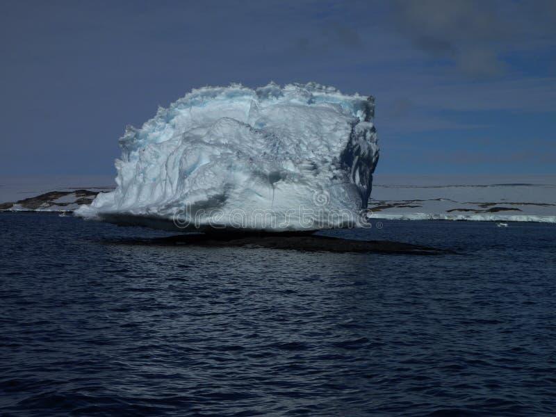 Gehockter Berg die Antarktis lizenzfreie stockfotografie