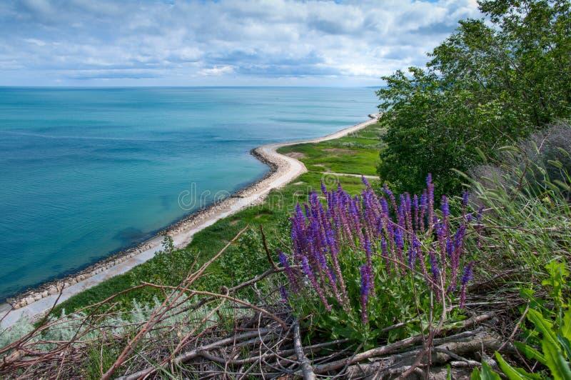 Gehweg auf der Schwarzmeerküstestadt von Balchik in Bulgarien stockbild