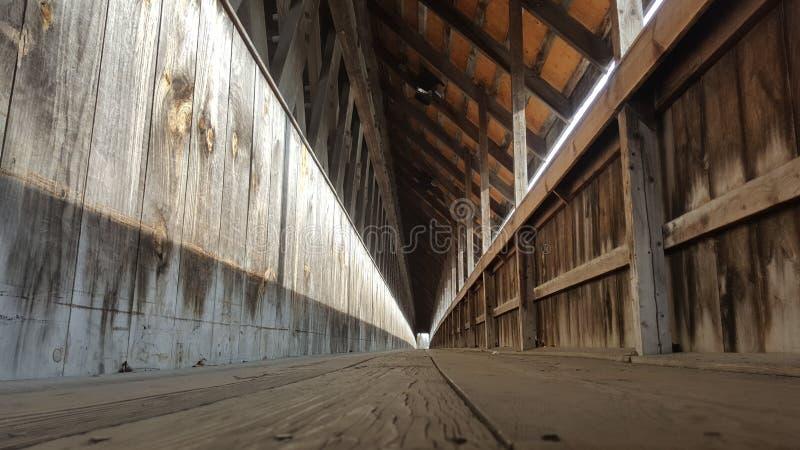 Gehweg auf einer Brücke in Frankenmuth Michigan lizenzfreie stockbilder