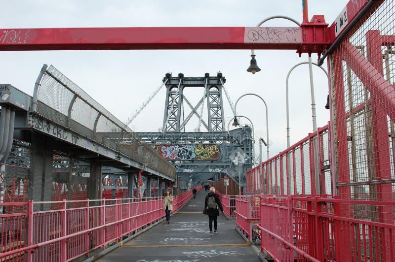 Gehweg der Williamsburg-Brücke in New York City stockbild