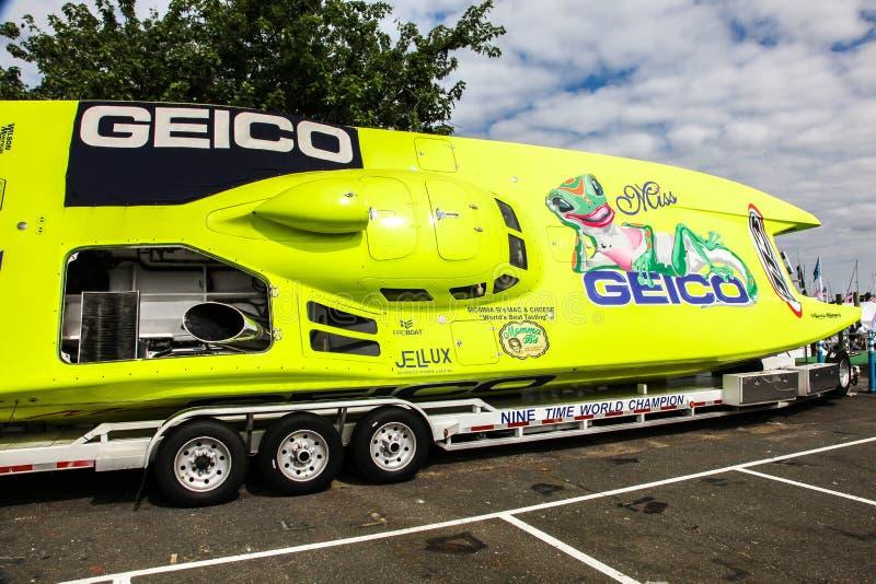 Geico prędkości łódź wystawiająca na formy ciągła Norwalk Łódkowatym przedstawieniu 201 zdjęcia royalty free