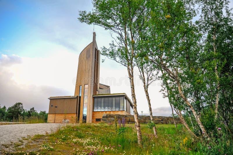GEILO, NORUEGA - EM JULHO DE 2015: Igreja cultural de Geilo na paróquia do HOL, Geilo, Noruega imagem de stock royalty free