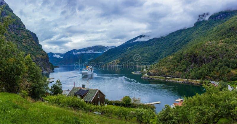 Geiranger fjord, härlig natur Norge arkivfoton