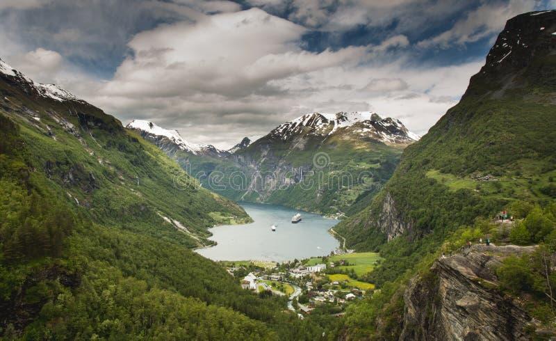 Geiranger fjord, härlig natur Norge arkivbilder
