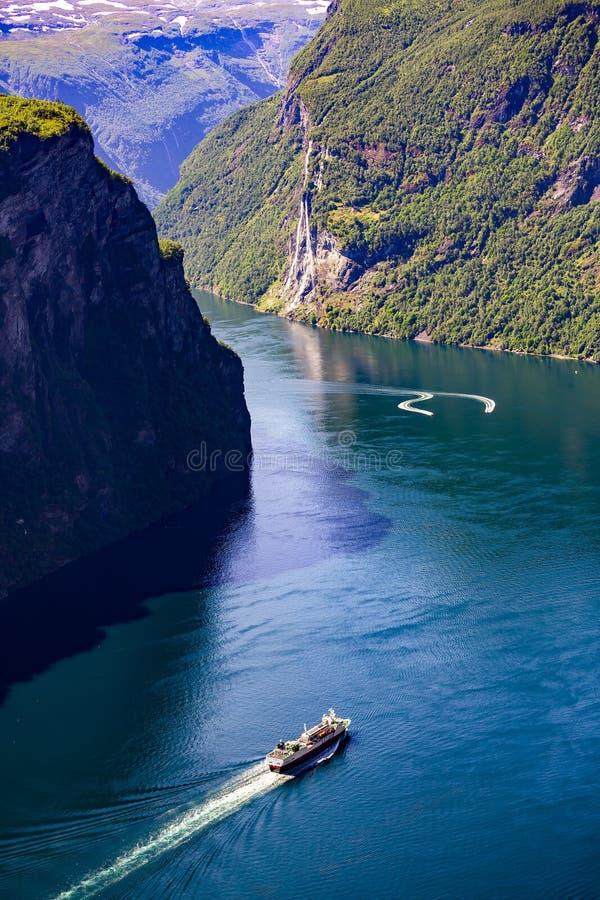 Geiranger Fjord, Norwegen lizenzfreie stockfotos
