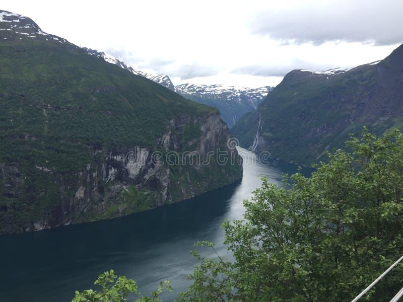 Geiranger fjorden stock foto's