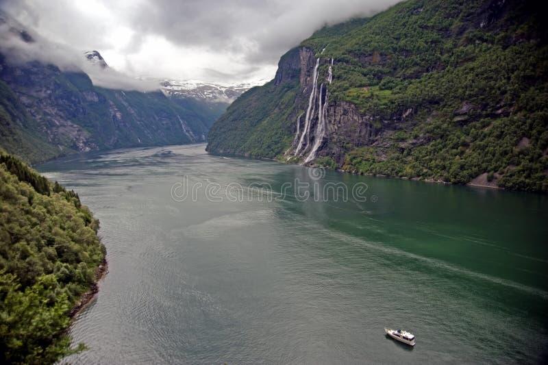 Geirangerfjord gesehen vom Skageflaa Bauernhof stockbild