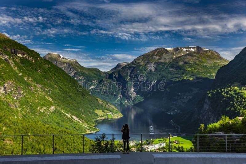 Geirangerfjord i den Norge sikten royaltyfri bild