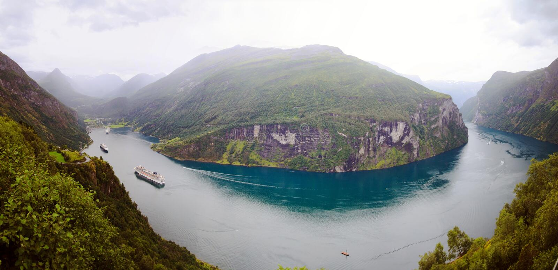 Geirangerfjord-Panorama stockbilder