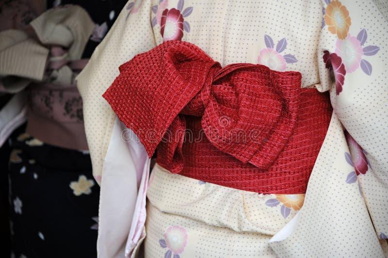 Geisha i kimono royaltyfri fotografi
