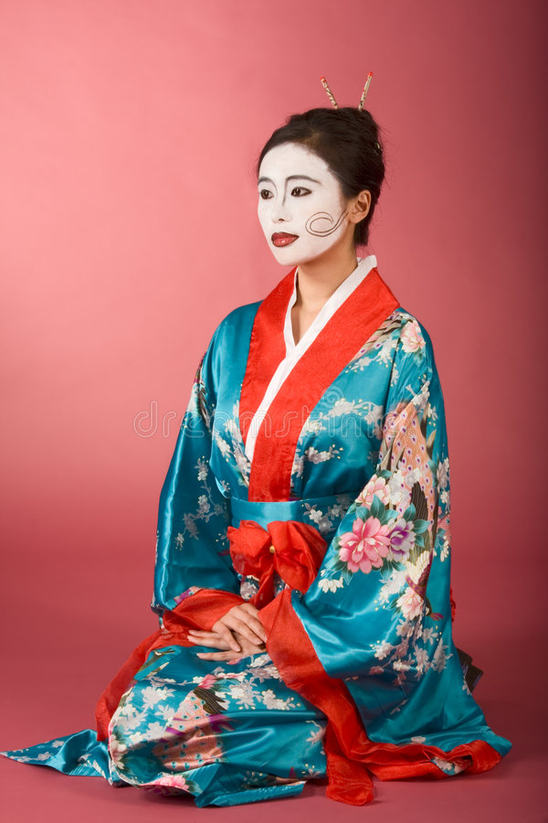 Free Geisha Japanese Woman In Kimono And Facepaint Royalty Free Stock Photos - 7276188