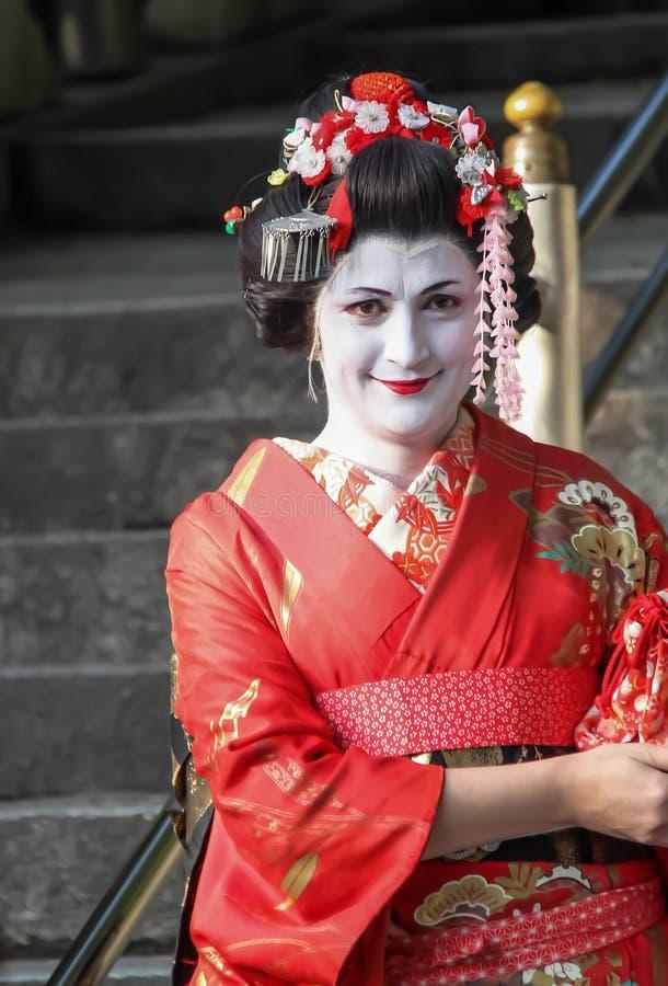 Geisha an Kiyomizu-Tempel lizenzfreie stockbilder