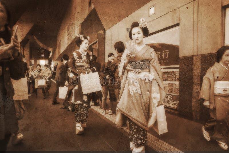 Geishas eller elever av geishas royaltyfria foton