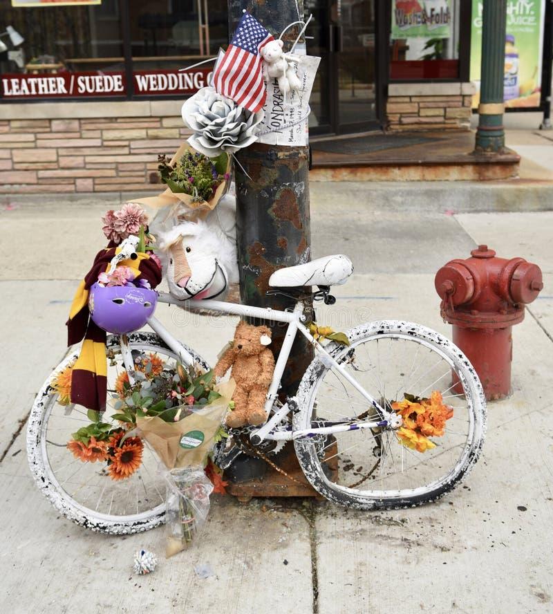 Geist-Fahrrad-Denkmal stockbild