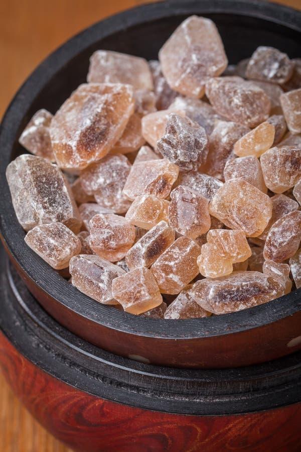 Download Gekarameliseerde Suiker In Houten Kom Stock Afbeelding - Afbeelding bestaande uit gastronomie, suikergoed: 54076059