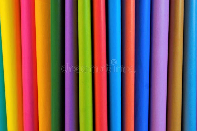 Gekleurd document voor creativiteit in de vorm van bladen voor het schrijven stock fotografie