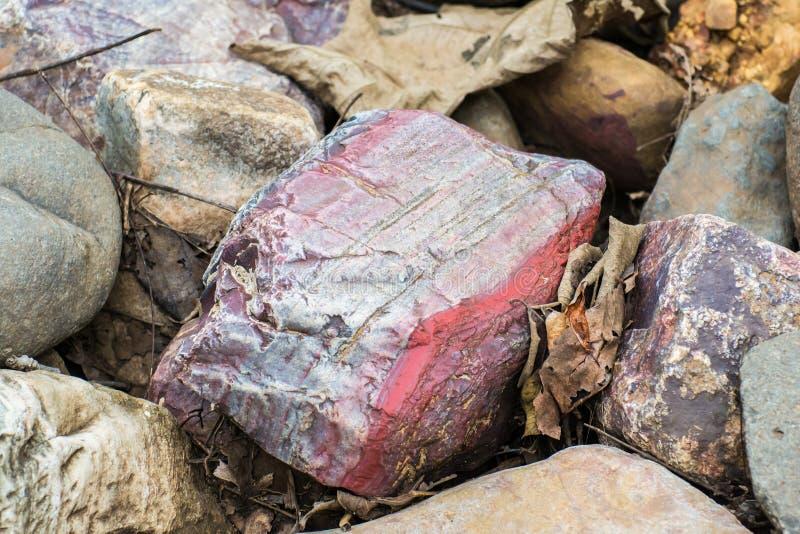 Gekleurd Rots Gestreept Hematiet royalty-vrije stock afbeeldingen