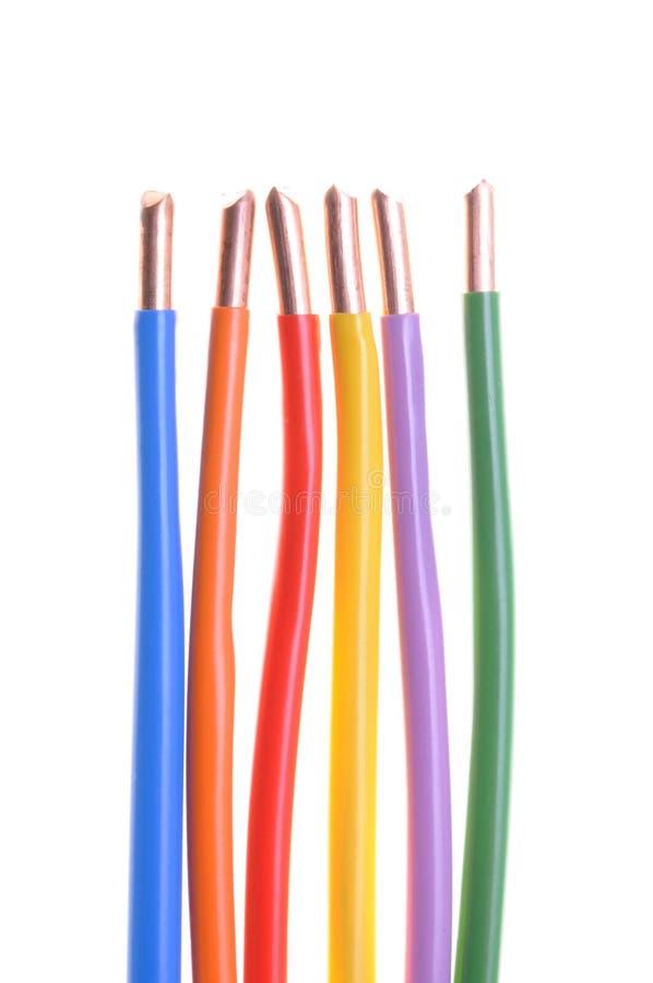 Gekleurde elektrische kabels stock afbeeldingen