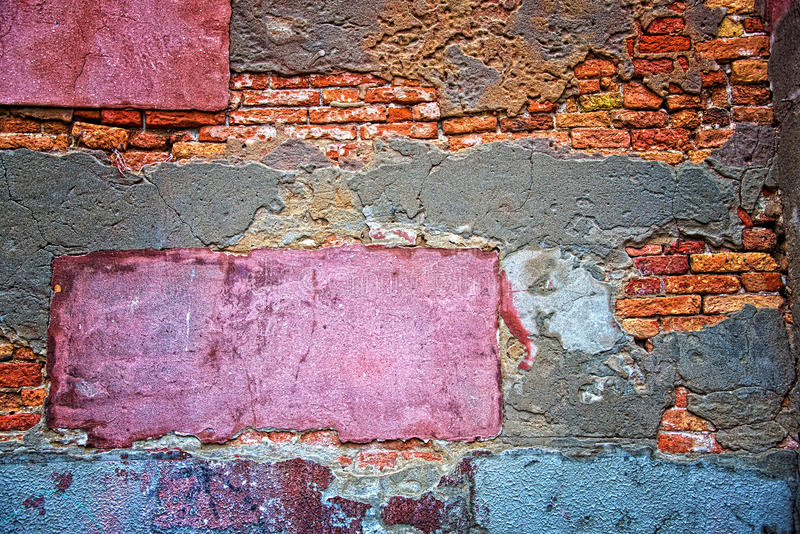 Gekleurde grunge muurachtergrond stock foto's