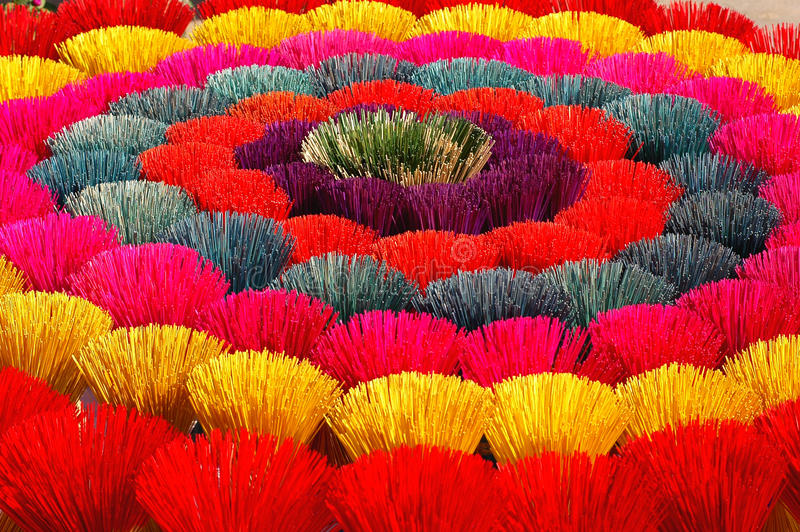 Gekleurde joss stokken in Vietnam stock afbeelding