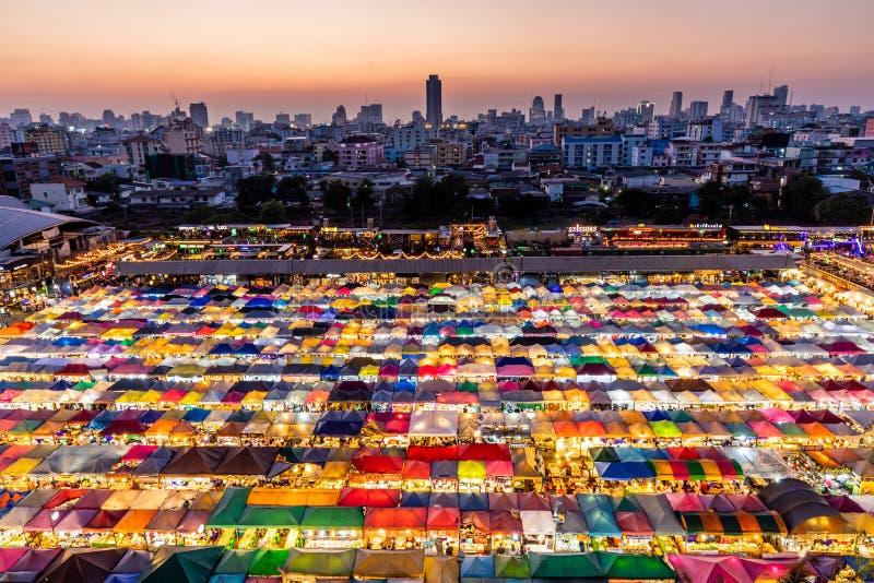 Gekleurde nacht Thaise markt royalty-vrije stock foto's