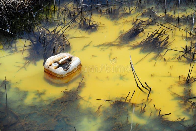 Gekleurde watervervuiling stock fotografie