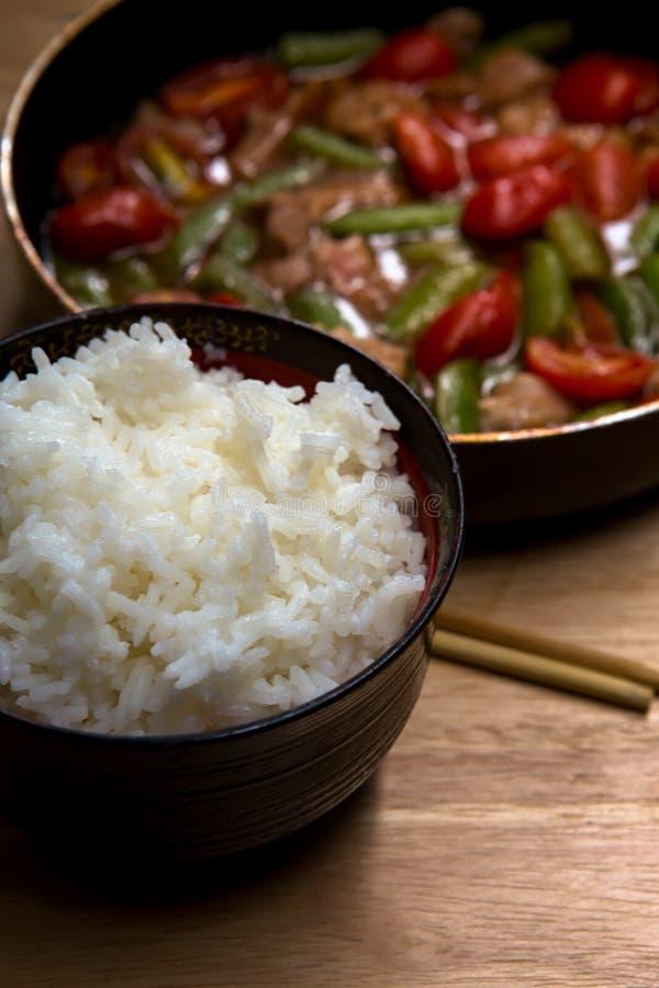 Gekocht, Jasmine Rice, Reis - Nahrungsmittelheftklammer, Frühstück, Kohlenhydrat - Nahrungsmittelart stockbild