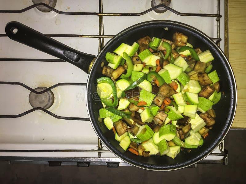 Gekocht, Küche, Teller, Nahrung, Zwiebel, Gemüse-, vegetarische, Draufsicht lizenzfreie stockfotografie