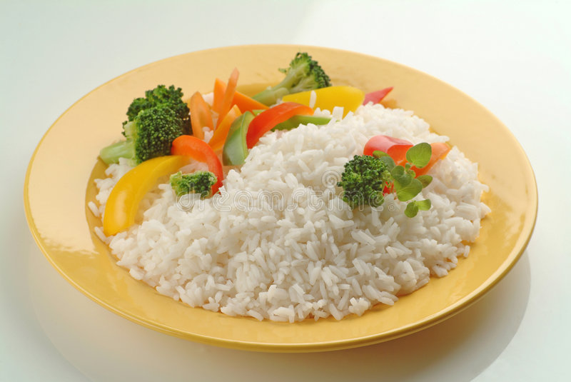 Download Gekochter Reis mit Gemüse stockfoto. Bild von diätetisch - 9089706