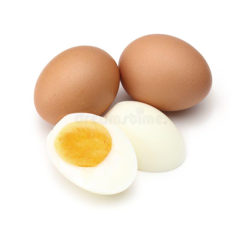 Gekochtes Ei, gekocht lokalisiert auf weißem Hintergrund stockfotografie