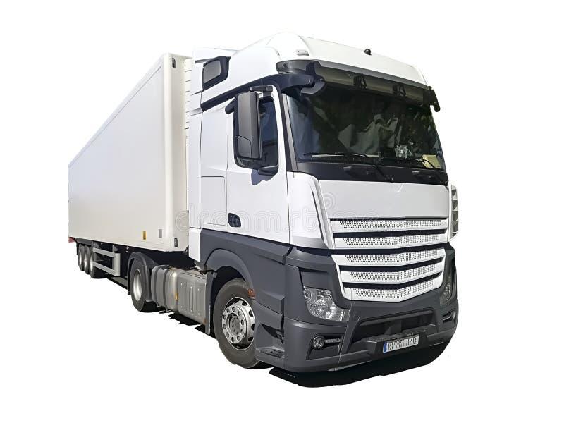 Gekoelde die vrachtwagen op witte achtergrond wordt geïsoleerd stock afbeeldingen