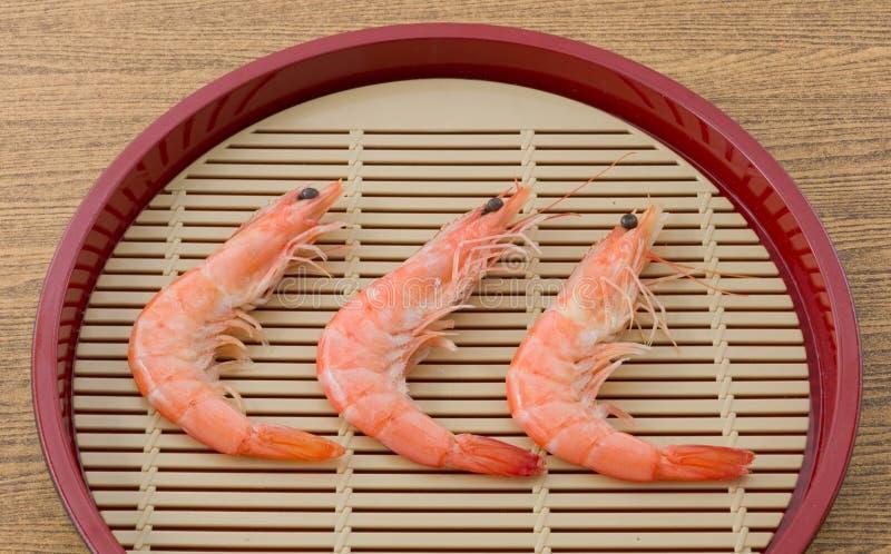 Gekookt Garnalen of Tiger Shrimps in een Dienblad royalty-vrije stock foto's