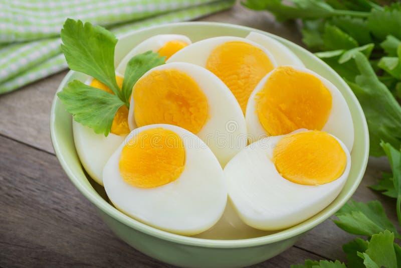 Gekookte eieren in kom royalty-vrije stock fotografie