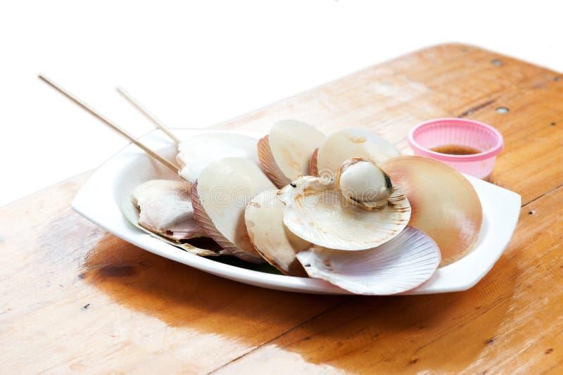 Download Gekookte Kammosselen Op Een Plaat Stock Foto - Afbeelding bestaande uit selectief, koel: 29506778