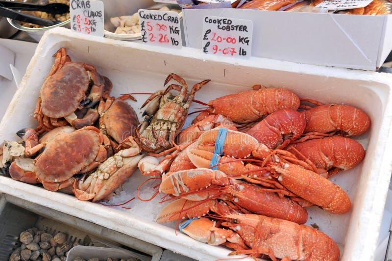 Gekookte krab en zeekreeft stock afbeelding
