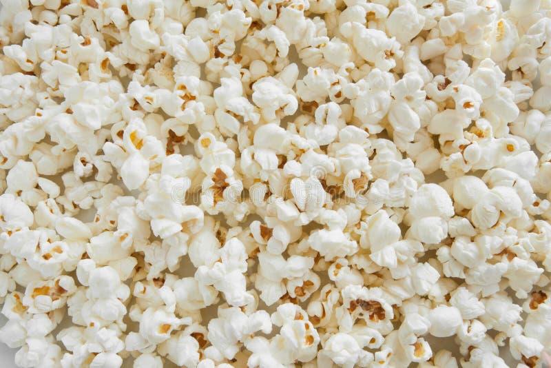 Gekookte popcorn als textuur stock afbeeldingen