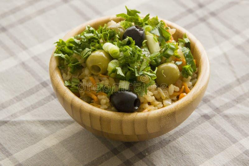 Gekookte rijst met groene peterselie royalty-vrije stock afbeelding