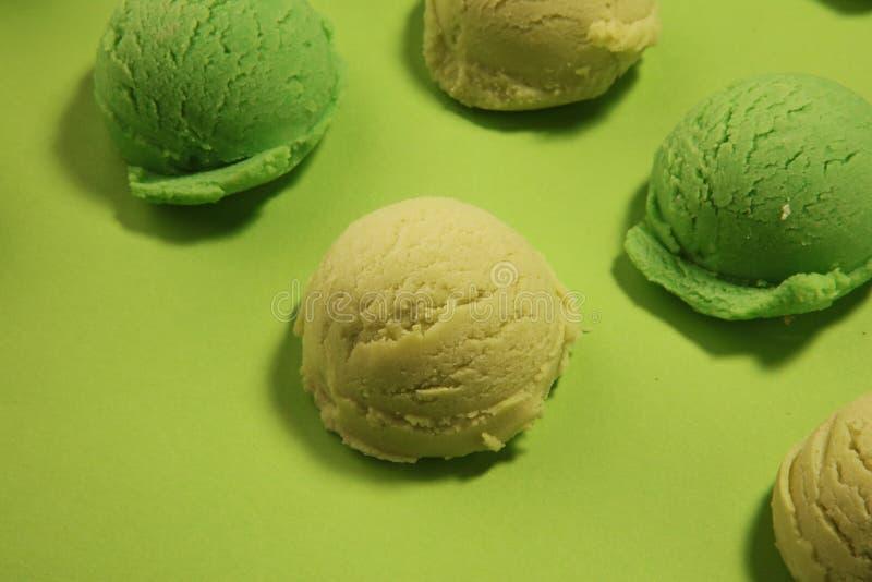 Gelado da hortel? do matcha do ch? verde com leite de coco fotos de stock royalty free