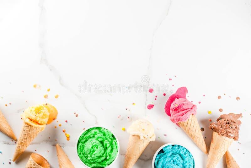 Gelado de derretimento colorido imagem de stock royalty free
