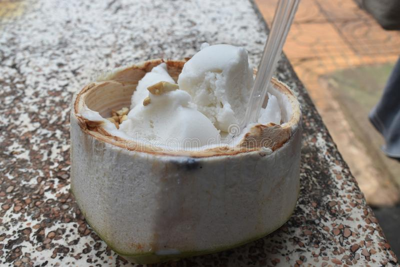 Gelado delicioso de coco, alimento em Banguecoque Tailândia fotos de stock