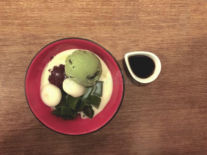 Gelado japonês de chá verde imagem de stock