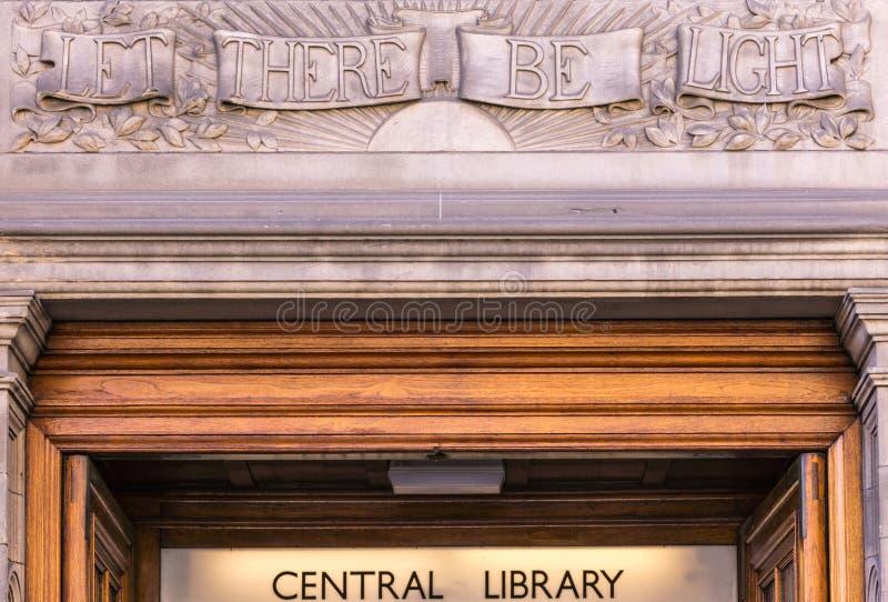Gelassen gibt es helle Wandzentralbibliothek, Edinburgh, Schottland, U stockbilder