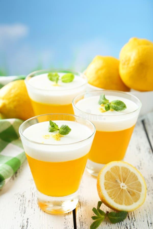 Gelatina saporita del limone fotografia stock libera da diritti